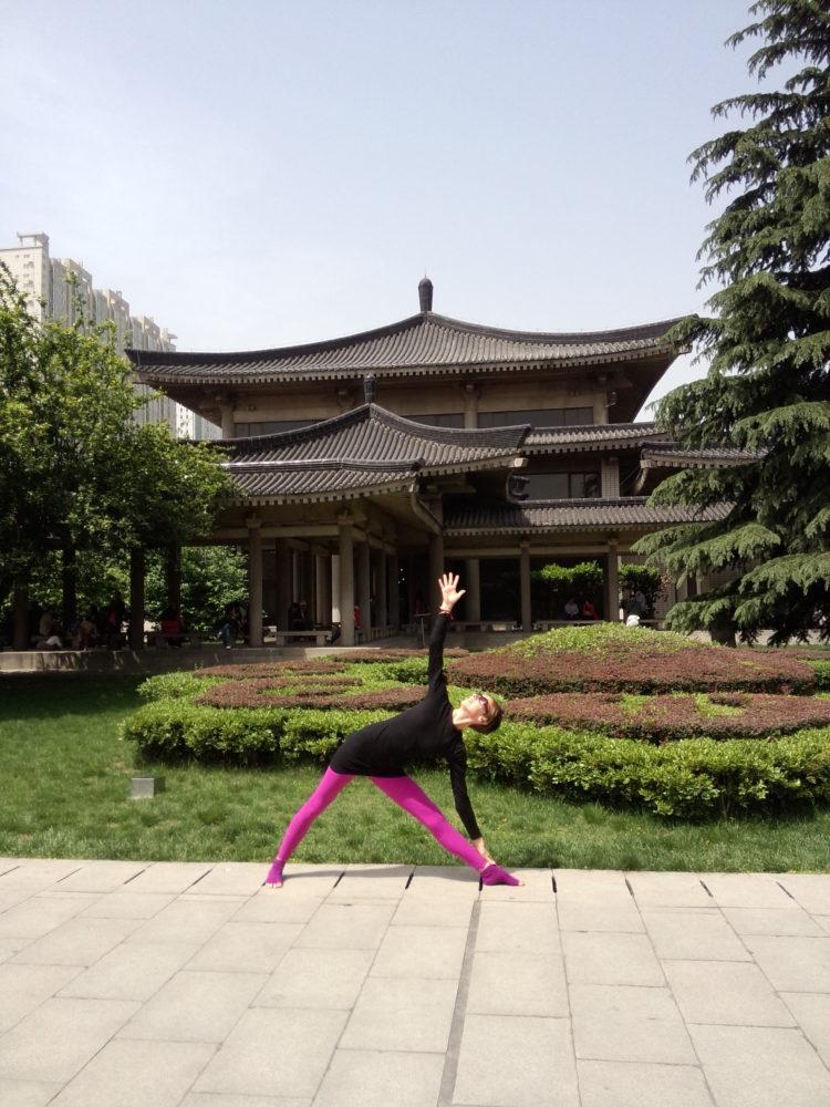 Trikonasana Xian Museum